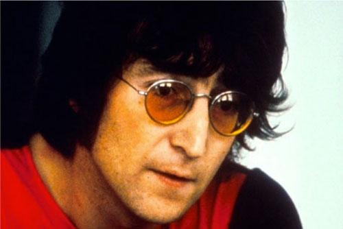 john lennon con gafas naranjas